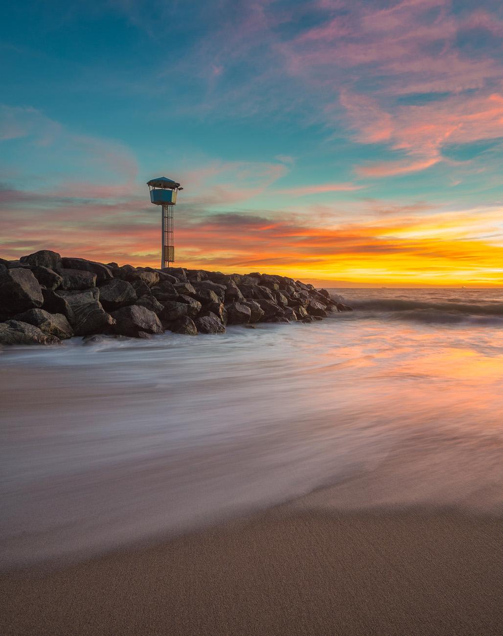 city_beach-lighthouse